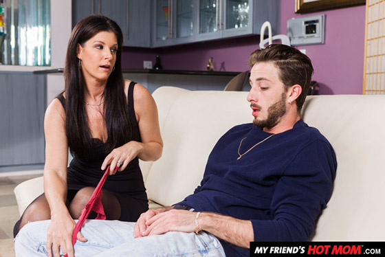 MyFriendsHotMom  India Summer  25275