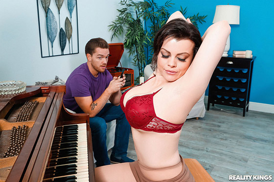 MilfHunter  Nadia White  The Piano Teacher