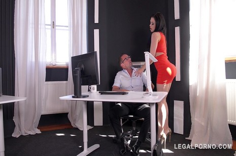 Legalporno - Glam porn - Voluptuous nympho Aletta Ocean ge shaved pink banged hard at the office GP143