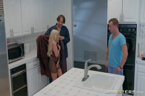 Brazzers - Milfs Like It Big - The Slutwalker